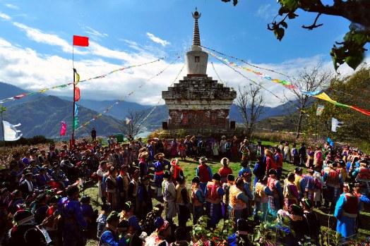 本届乡村文化旅游节主会场设在宝兴县硗碛藏寨,在硗碛藏寨·神木垒